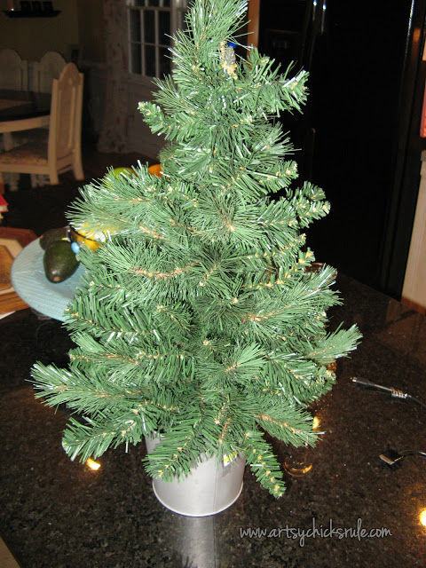 A Colorful & Fun Little Christmas Tree - Great Kid's Project! - artsychicksrule.com