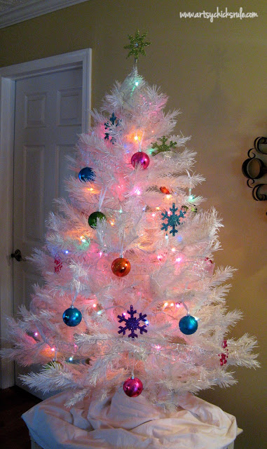 Oh Christmas Tree!...Super White, Super Sparkly & Super Colorful ...