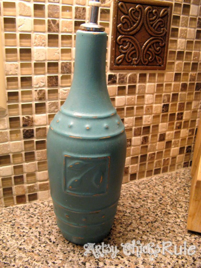 Old Olive Oil Bottle Chalk Painted / artsychicksrule.com
