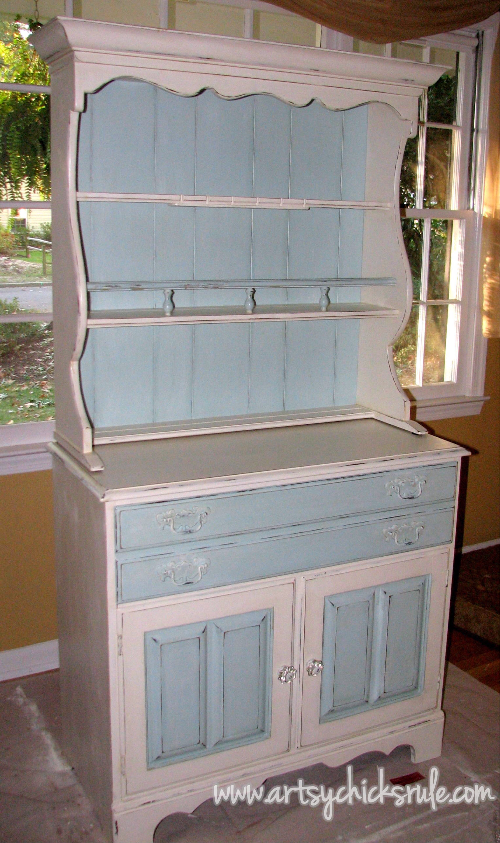 Dated 70 S Hutch Transformed Into A Coastal Shabby