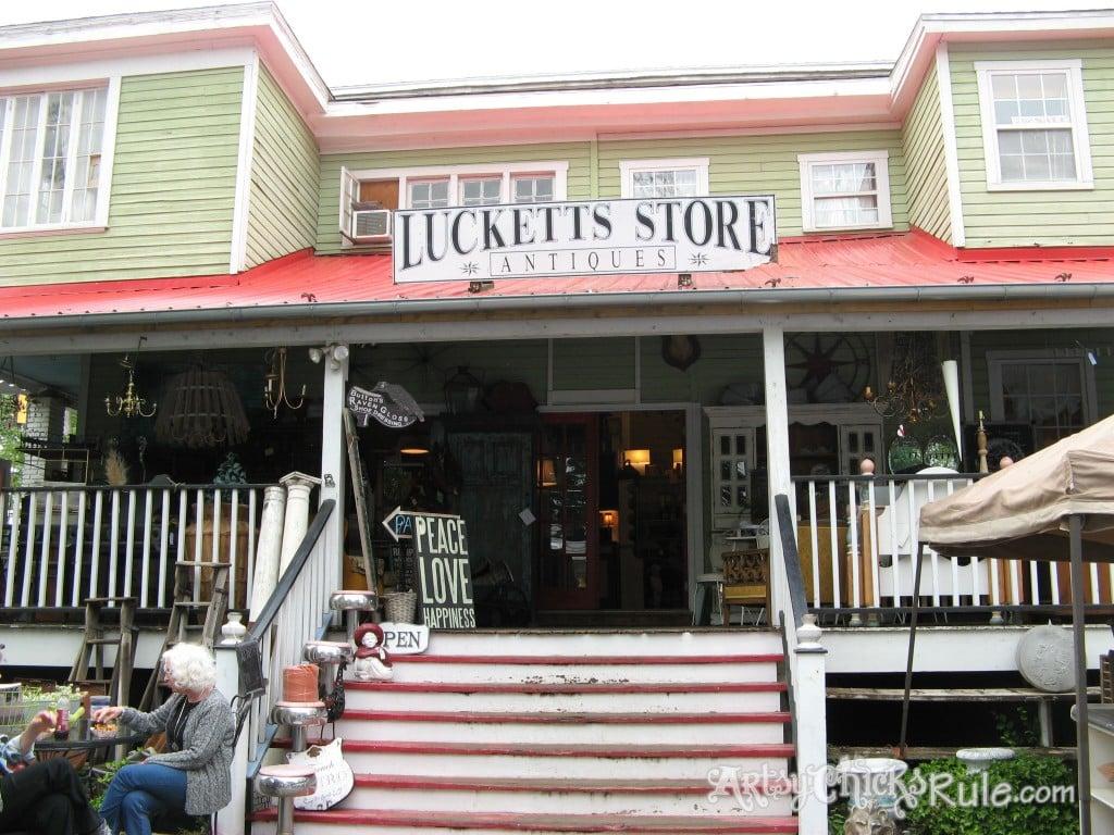 Old Luckett's Store / Artsy Chicks Rule