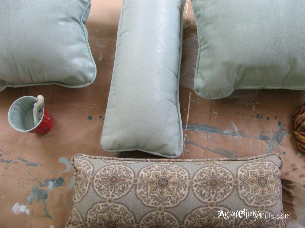 SO Easy! Don't love it? Paint it with Annie Sloan Chalk Paint! artsychicksrule.com
