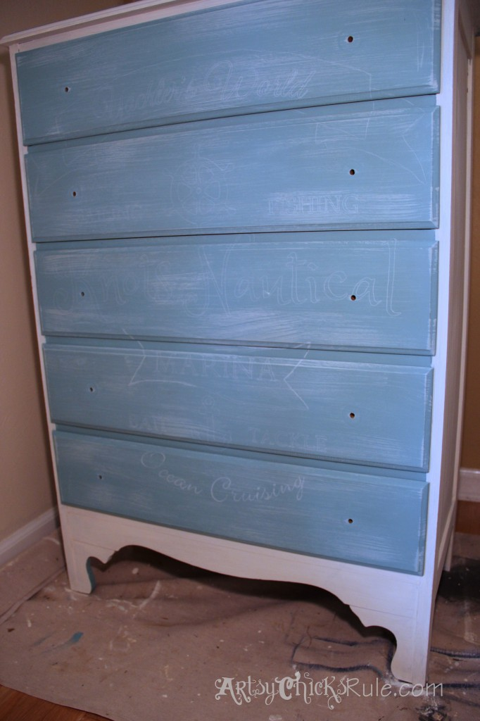 Coastal Themed Chest With Custom Graphics & Chalk Paint!! artsychicksrule.com