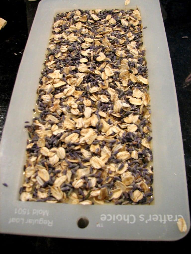 Natural Soap Making - Lavender Oats artsychicksrule.com #soapmaking #coldprocesssoap
