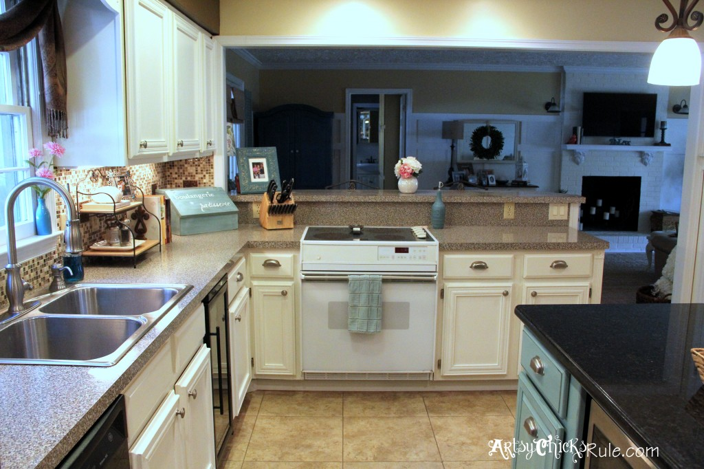Kitchen Cabinet Makeover with Chalk Paint 1