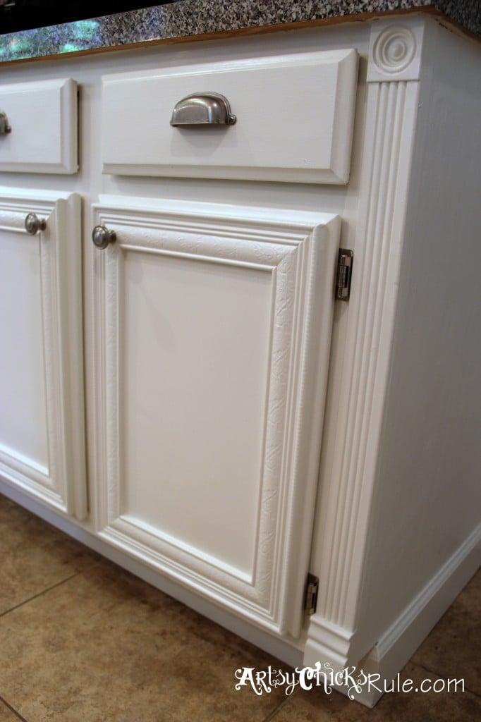 Kitchen Cabinet Makeover {Annie Sloan Chalk Paint} - Artsy ...