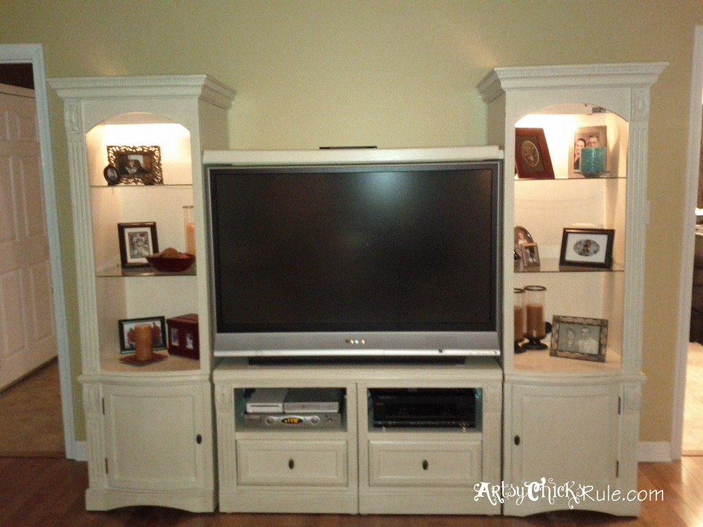 Wall Unit Painted - artsychicksrule.com #roommakeover