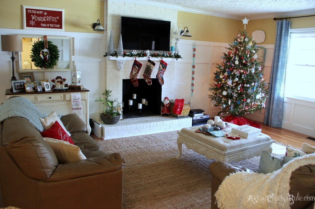 Family Room Dressed up for the Holidays - Holiday Home Tour