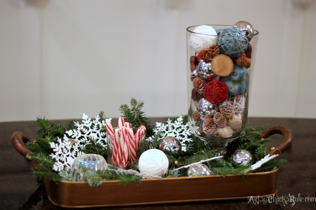Kitchen Island Centerpiece - Home Holiday Tour