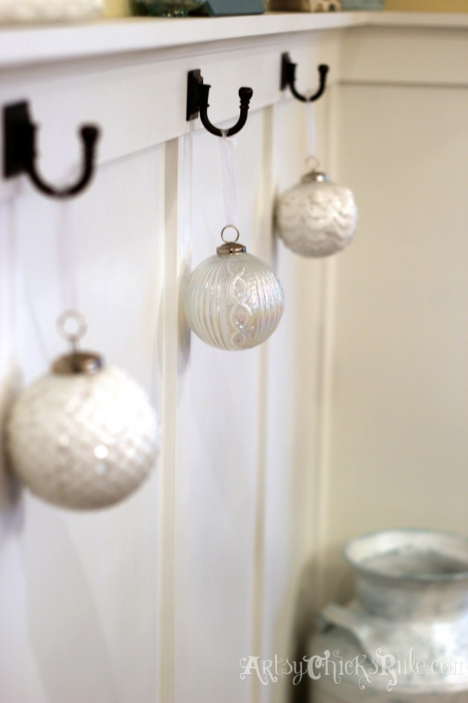 Kitchen wall ornaments - Holiday Home Tour