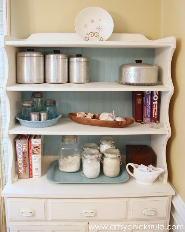 Bakers Hutch Makeover - Styling - $35 Hutch - artsychicksrule.com #hutch #bakershutch #paintedfurniture #furnituremakeover #chalkpaint