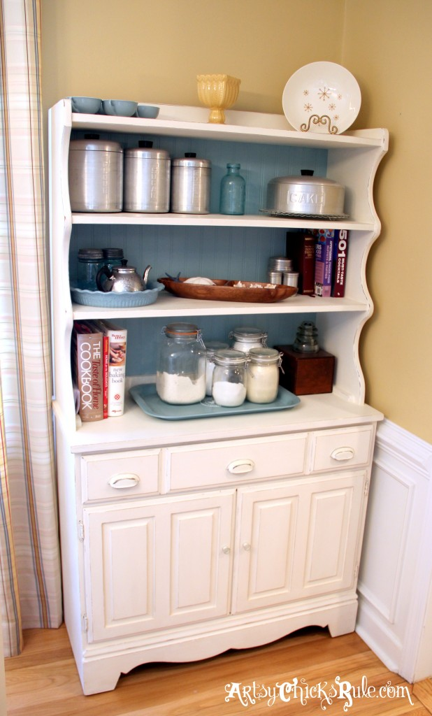 Bakers Hutch Makeover with Annie Sloan Chalk Paint