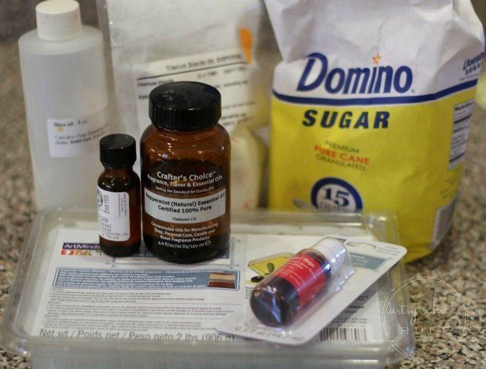 Super Simple Sugar Scrubs Recipe!! artsychicksrule.com #sugarscrubsrecipe #saltscrub #mothersdaygift #valentinesdaygift #handmadegiftideas #giftideas
