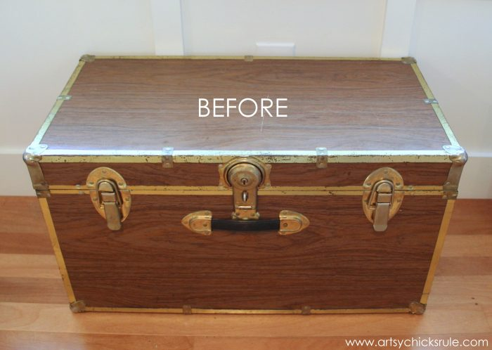 Travel Trunk Chalk Paint Makeover {Travel Themed Tour}