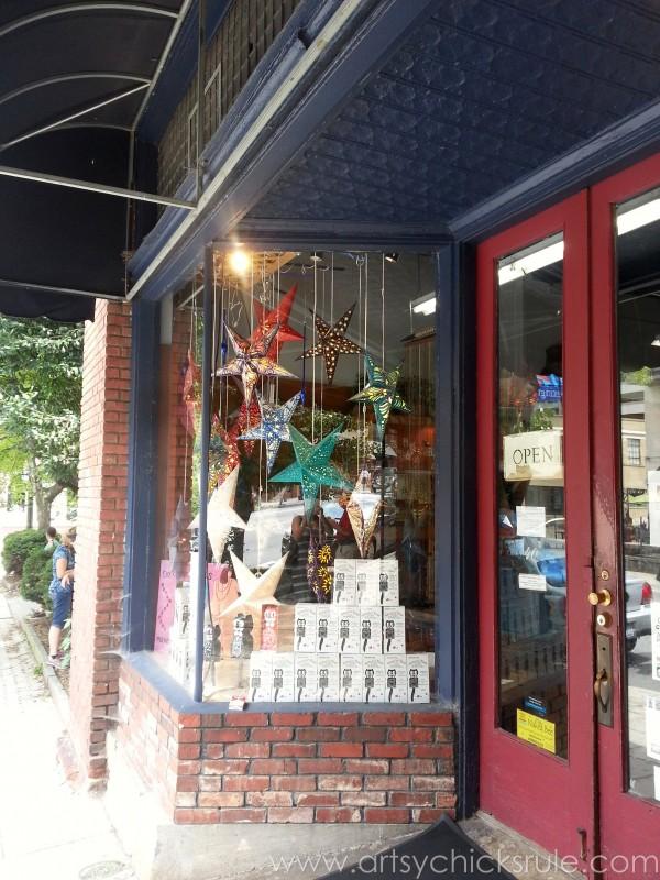 Asheville NC Road Trip - More Stars - artsychicksrule.com #asheville #downtown