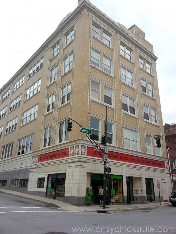 Asheville NC Road Trip - Old Store - artsychicksrule.com #asheville #downtown