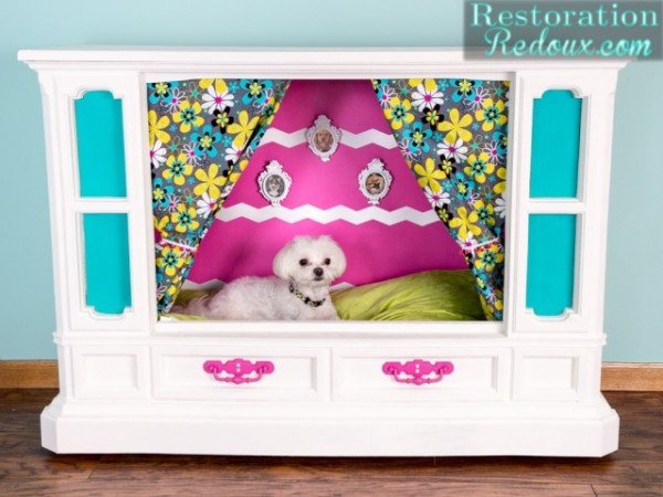 Retro-TV-Doghouse1-640x480