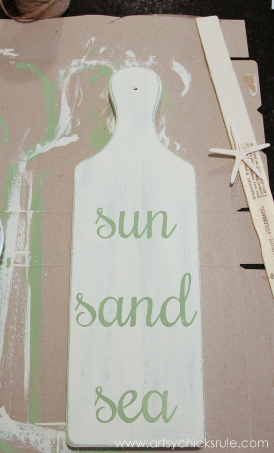 Sun, Sand, Sea Beach Sign - DIY - Tutorial - Hand Painted Letters #chalkpaint #sign artsychicksrule.com