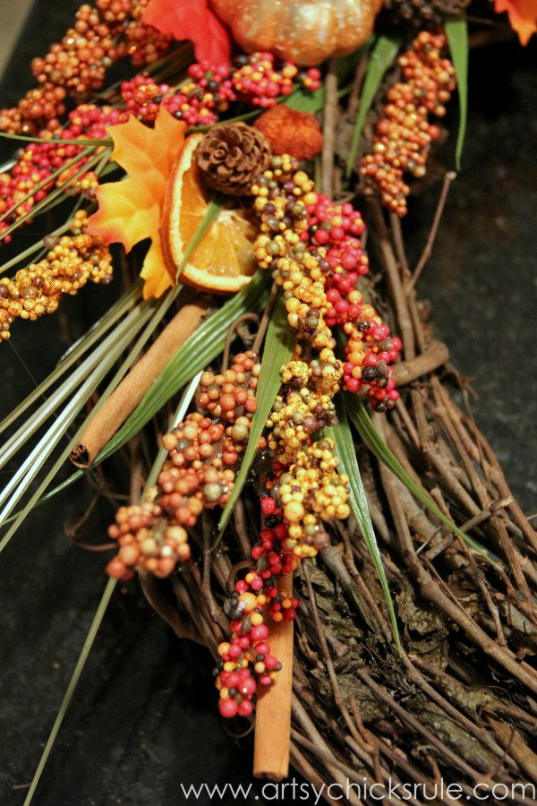 DIY Fall Wreath - Fall Themed Tour - Bottom Detail - #fall #falldecor #diy artsychicksrule.com