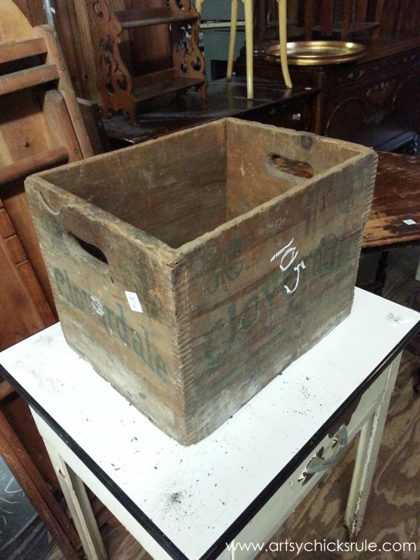 Page's Thieves Market - crate - Mt. Pleasant SC - #vintage #antiques artsychicksrule.com