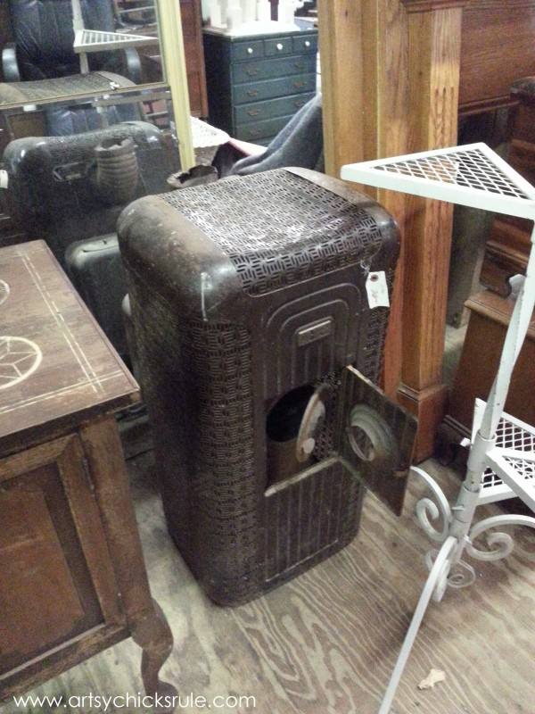 Page's Thieves Market - vintage - Mt. Pleasant SC - #vintage #antiques artsychicksrule.com