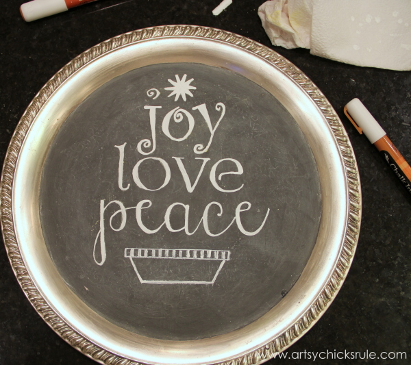 EASY Holiday Chalk Art with Chalk Pens - added a base - #chalkart #chalkboard #chalkpen #holidays artsychicksrule.com