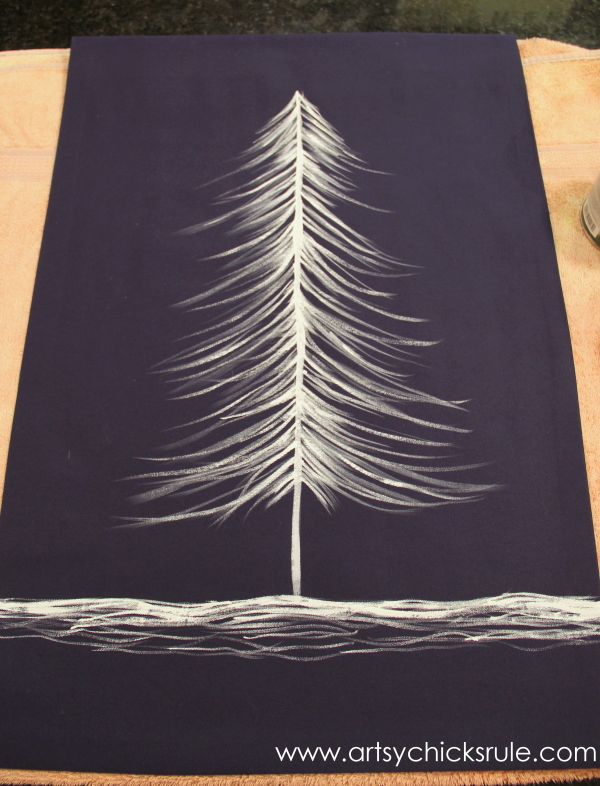 No-Sew DIY Christmas Tree Tapestry - Anthropologie Inspired - paint -#wallhanging #tapestry #inspiredby #nosew #diy artsychicksrule.com