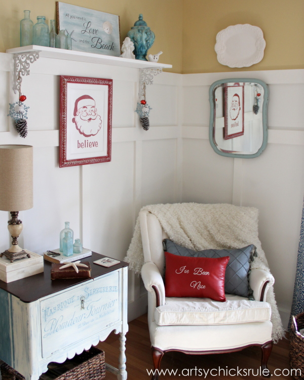 Santa - DIY Believe Sign - Santa Holiday Corner - #Santa #believe #Christmas #holidaydecor #santaclaus artsychicksrule.com