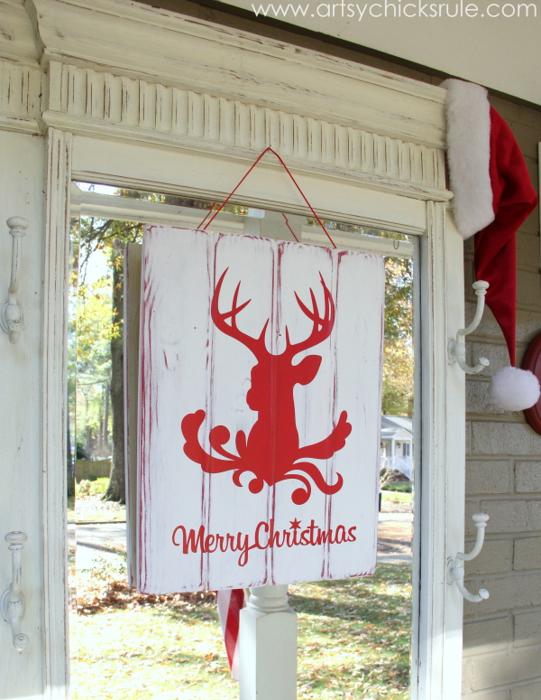 Silhouette Merry Christmas Sign Tutorial - on hall tree - #ad #sponsored #silhouette #merrychristmas #sign #diy #ad #sponsored #blackfriday artsychicksrule.com