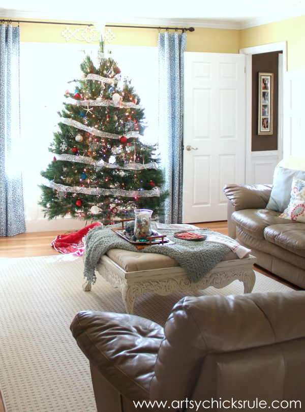 Christmas Home Tour 2014 - Red and Teal Themed - Family Room - Laundry to Family Room - #christmas #hometour #holidays #holidaydecor #redandteal artsychicksrule.com
