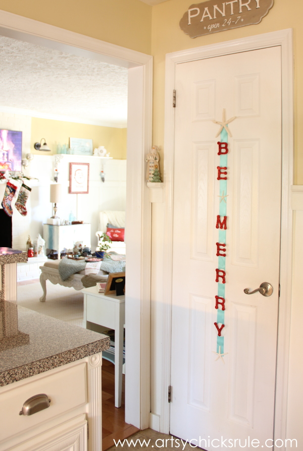 Christmas Home Tour 2014 - Red and Teal Themed - Kitchen - Be Merry Sign - #christmas #hometour #holidays #holidaydecor #redandteal artsychicksrule.com
