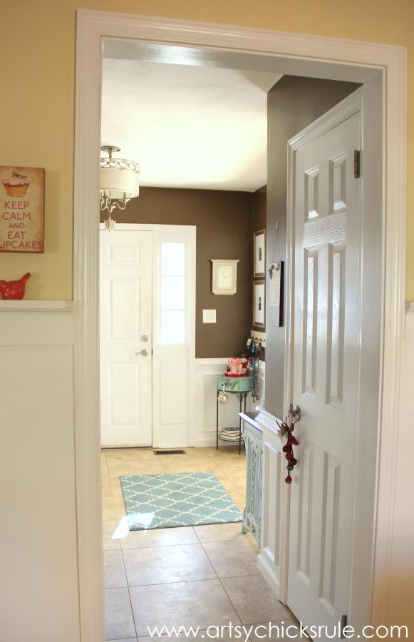 Christmas Home Tour - Budget Decor - Foyer - #holidaydecor #Christmas artsychicksrule.com