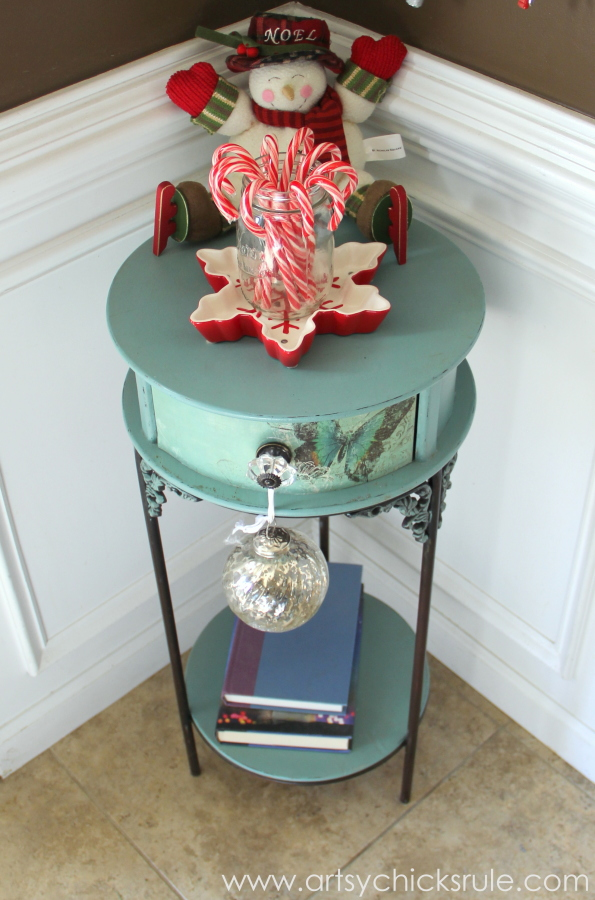 Festive Holiday Foyer - Teal and Red - Candy Canes - #holidayhome #holiday #foyer #decor #Christmas #holidaydecor artsychicksrule.com