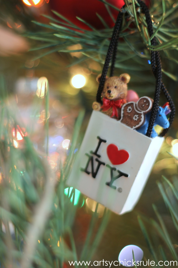 Oh Christmas Tree - 2014 - I Love NYC -#Christmastree #ornaments #holidaydecor #holidays #Christmas artsychicksrule.com