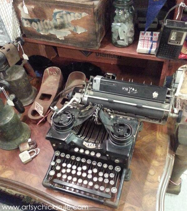 Vintage Goodness (books, lighting and more) #vintage #treasures #artsychicksrule #antiques (2)