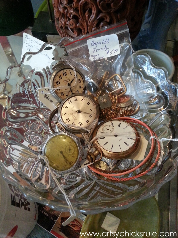 Vintage Goodness (books, lighting and more) #vintage #treasures #artsychicksrule #antiques (25)