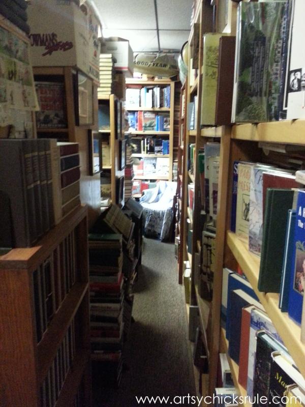 Vintage Goodness (books, lighting and more) #vintage #treasures #artsychicksrule #antiques (27)
