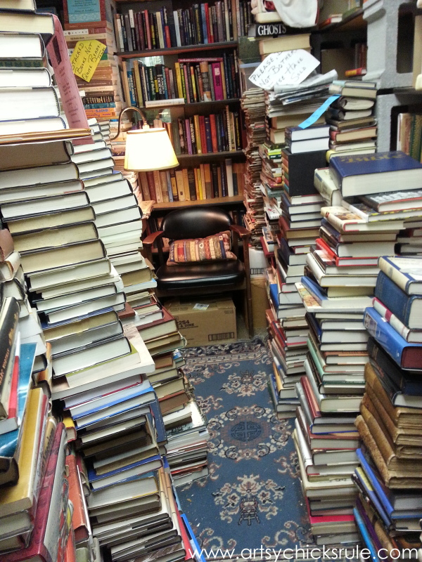 Vintage Goodness (books, lighting and more) #vintage #treasures #artsychicksrule #antiques (29)
