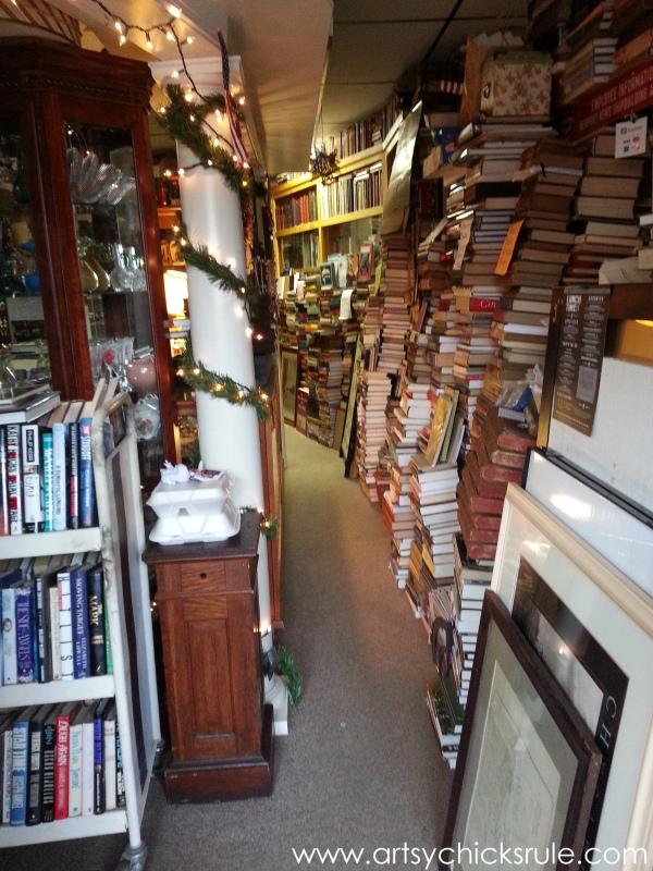 Vintage Goodness (books, lighting and more) #vintage #treasures #artsychicksrule #antiques (9)