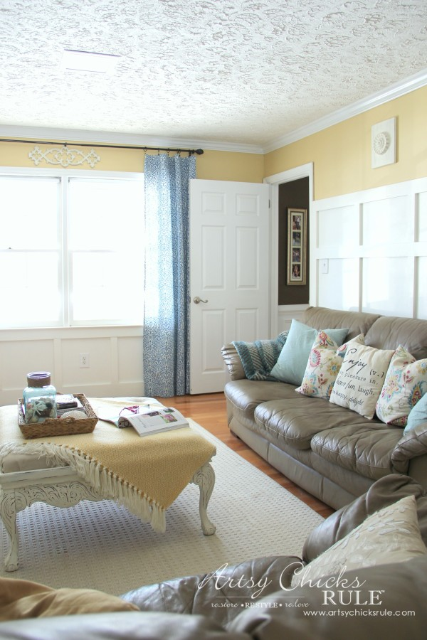 DIY Faux Board and Batten - Family Room Wall - #diy #boardandbatten artsychicksrule.com