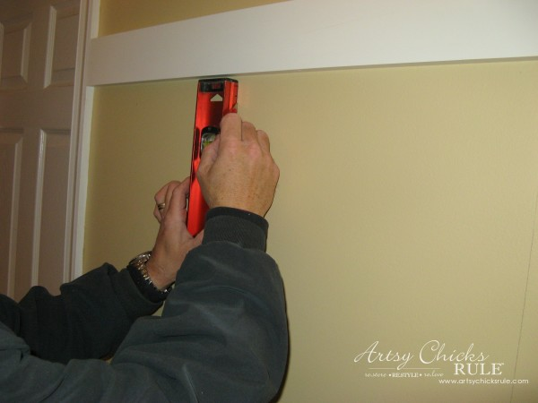 DIY Faux Board and Batten - Measure and Level - #diy #boardandbatten artsychicksrule.com