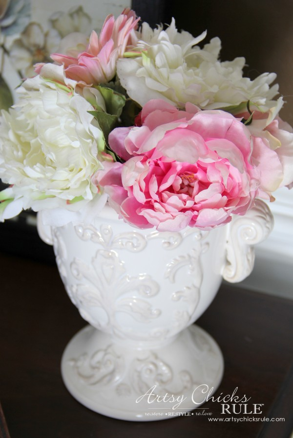 Decor Challenge - Shop Your Flowers - French - #shopyourhome #homedecor #thriftydecor #thrifty artsychicksrule.com
