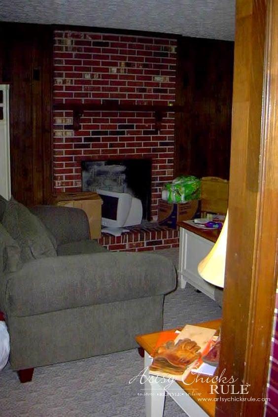 Family-Room-Makeover-Before-Fireplace-makeover-diy-roommakeover-artsychicksrule-artsychicksrule.com