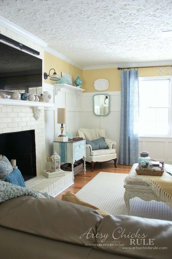 Family Room Makeover - Front Left Corner - #makeover #diy #roommakeover #artsychicksrule artsychicksrule.com