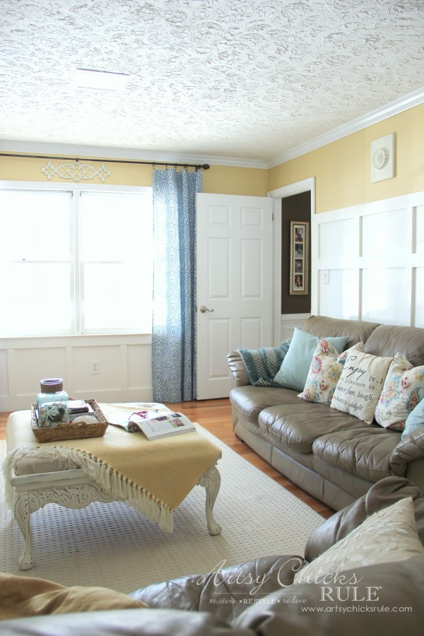 Family Room Makeover - Front Right Corner - #makeover #diy #roommakeover #artsychicksrule artsychicksrule.com