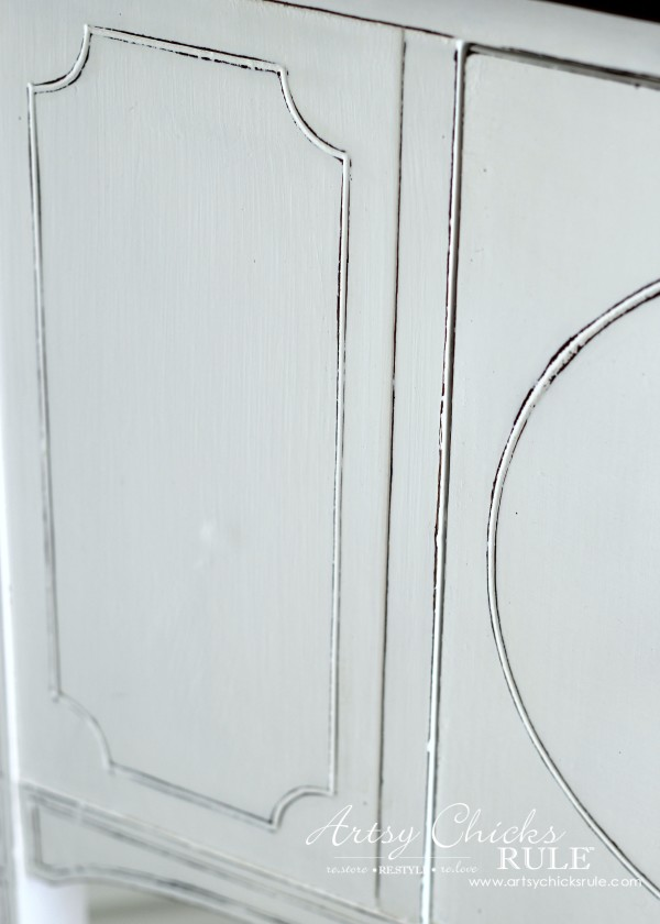 Sideboard Makeover with Java Gel and Chalk Paint - Up Close - #javagel #chalkpaint #anniesloan #makeover artsychicksrule.com