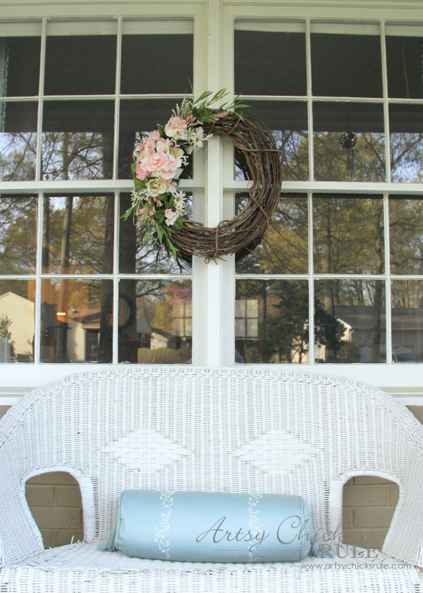 Easy DIY Floral Wreath - Hang on windows for a different look #wreath artsychicksrule.com