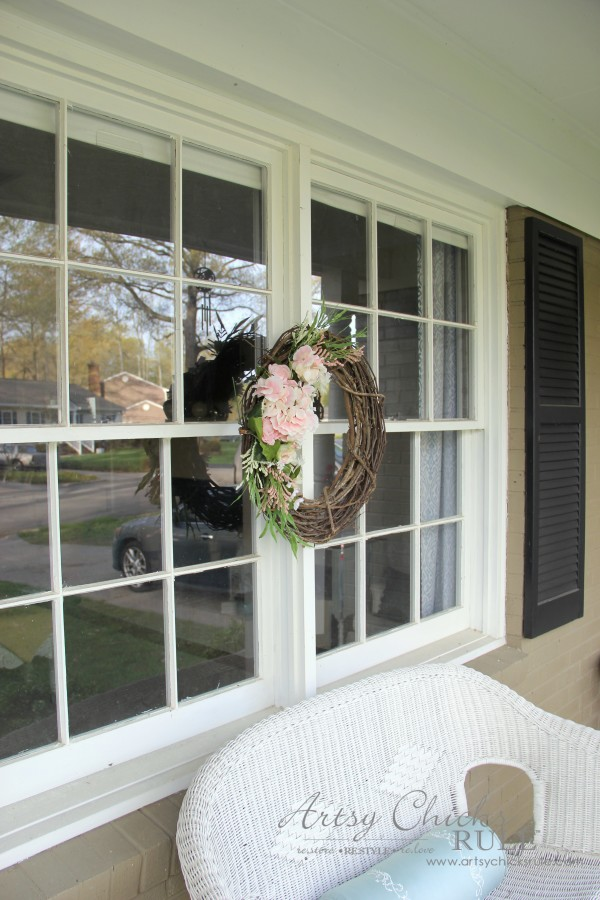 Easy DIY Floral Wreath - On windows for country porch #wreath artsychicksrule.com