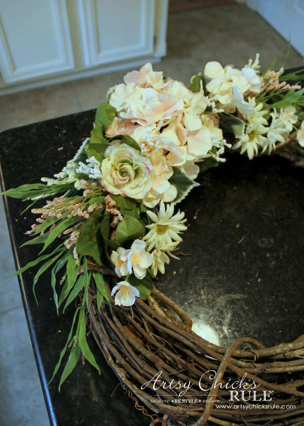 Easy DIY Floral Wreath - So easy! #wreath artsychicksrule.com