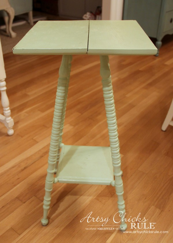 Paris Side Table Makeover - Before Broken Top - #paris #makeover #chalkpaint #milkpaint artsychicksrule.com